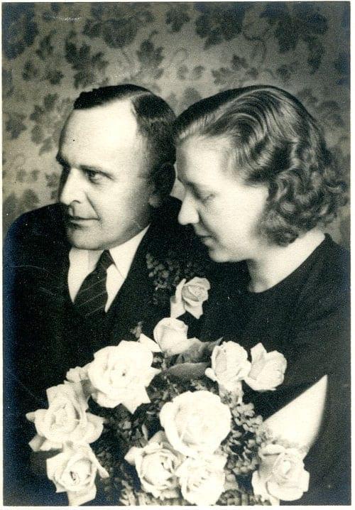 Bröllop 1935 Ivan Huss 1899–1972, tabell 467, gifte sig med Faja Huss född Wikström 1909–1989; Ivan var landsfiskal.
