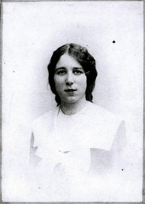 Elsa Huss född af Trolle 1886–1953, tabell 78 i Vi Hussar I. Gift 1904 med Thomas Huss.