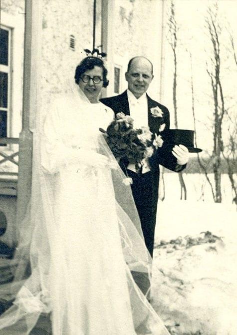 Bröllop 1936. Thure Dahlgren 1901–1992, tabell 474, gifte sig med Margit Huss 1900–1967. Thure var aktuarie.