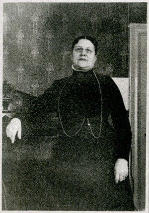 Axeline Hedberg född Huss 1859–, tabell 69 i Vi Hussar I; som gammal. Gift 1884 med Gustaf Hedberg.