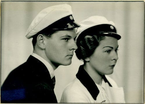 Syskonen Erik och Gunhild Huss. Erik Huss 1913–2010, tabell 492, släktföreningens ordförande 1959–1986; Gunhild Huss Edgren, tabell 495.