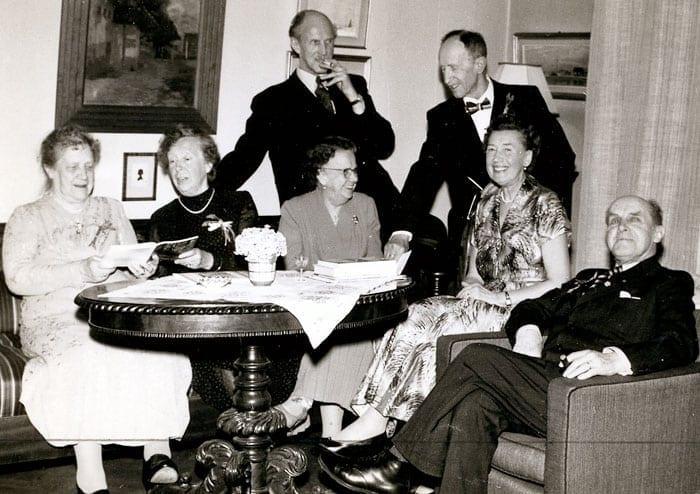 Från vänster på bilden till vänster: Anny Bondeson, Alida »Maja« Huss, Arvid Huss, Ruth Huss, Ivar Huss, Elisabeth Huss och Harald Huss. Bilden togs 1950 när Harald Huss fyllde 75 år.