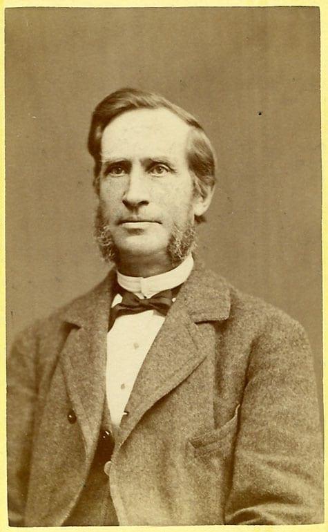 Magnus Huss 1818–1888, tabell 232. Gift med Fanny Huss född Grape från 1866; länsbokhållare; stamfar för linje 10.