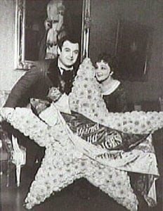 Hjördis Schymberg tillsammans med Jussi Björling.